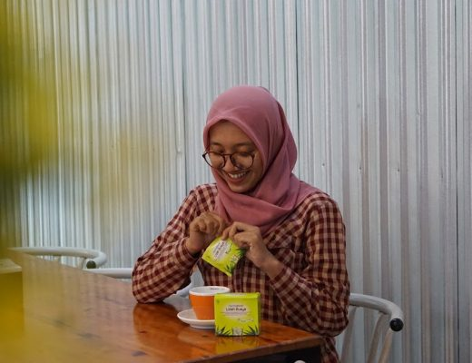 azariatika.com herbadrink 2Blidah 2Bbuaya 2B3 520x400 - Ternyata Hidup Sehat yang  Alami Itu  Gampang Kok!