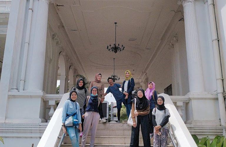 Kawasan Passer Baroe Jakarta bersama rombongan