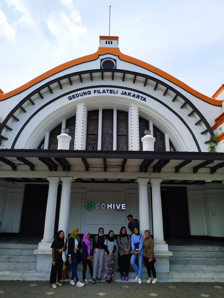 Azariatika gedung filateli jakarta 768x1024 - Berkeliling Kawasan Passer Baroe Jakarta dengan Jalan Kaki