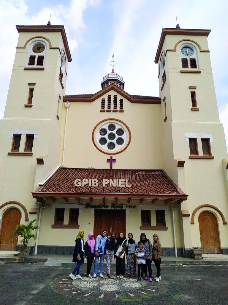 Azariatika gereja pniel jakarta 768x1024 - Berkeliling Kawasan Passer Baroe Jakarta dengan Jalan Kaki