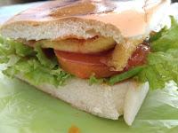 jus2Bdan2Bburger2Brahmad2B5000 - 5 Rekomendasi Tempat Wisata Kuliner di Pekanbaru Buat Anak Kos di Akhir Bulan