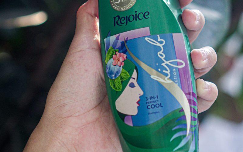 Shampoo hijab untuk rambut berketombe